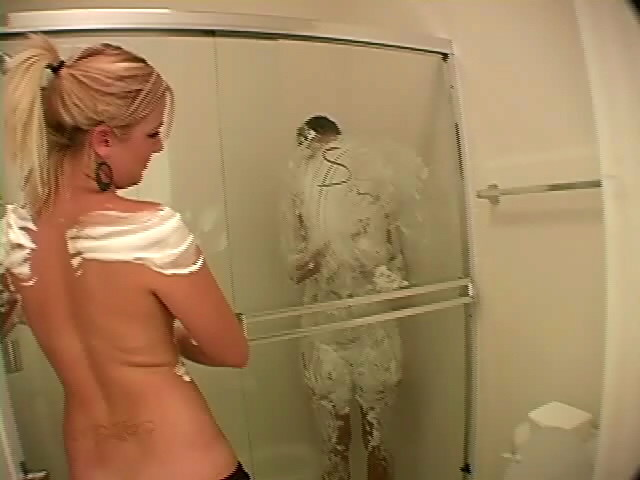 Hefty Meloned Light-haired Jessie Taking A Bathroom Along With Her Girl/girl Mate