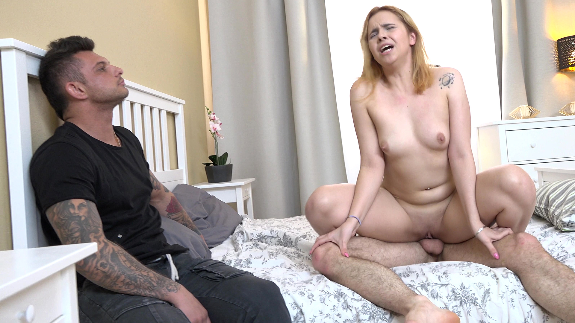 Sandy-haired Girlfriend Pound For Hire Cash