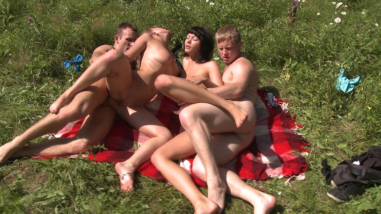 Super Hot Sunbathing And Screwing